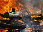 Kronologi Kecelakaan Maut NMAX vs Pikap, Satu Keluarga Tewas, Motor Terbakar