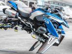 motor-terbang-bmw-motorrad_20170218_165945.jpg