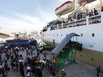 mudik-bersama-kapal-laut-km-lambelu-makassar_20150715_132637.jpg
