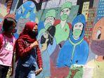 mural-selamatkan-bumi-kita-dari-corona-di-kota-bandung_20201206_221006.jpg