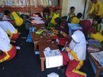 murid-kelas-5-sd-tirtayasa-belajar-di-ruang-perpustakaan-sd-mekarbirujpg.jpg