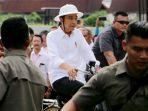 naik-sepeda-onthel-presiden-jokowi-kunjungi-kota-lama-semarang_20191230_222016.jpg