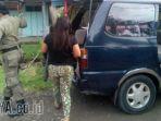 nr-saat-diamankan-oleh-petugas-satpol-pp-kabupaten-gresik_20170408_043556.jpg