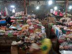 omzet-pedagang-pasar-tradisional-menurun_20210722_140937.jpg