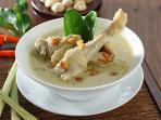Masak Opor Ayam untuk Lebaran? Ikuti Tips Memasak Ayam Kampung Agar Tak Alot Ini!