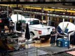 Gubernur Michigan Izinkan Produsen Mobil Beroperasi Kembali