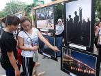 pameran-foto-pewarta-foto-indonesia-pfi-pontianak_20161024_092057.jpg<pf>pameran-foto-pewarta-foto-indonesia-pfi-pontianak_20161024_092327.jpg