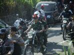 panglima-tni-dampingi-presiden-ri-kunjungi-pengungsi-di-lombok_20180814_153500.jpg