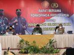 panglima-tni-pimpin-rapat-forkopimda-se-provinsi-papua_20210929_143714.jpg