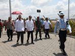 panglima-tni-sambut-presiden-ri-jokowi-di-bandara-lombok_20181018_155659.jpg