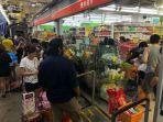 panic-buying-singapura.jpg