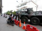 panser-dan-barracuda-disiagakan-dalam-penyekatan-ppkm-darurat_20210706_115637.jpg