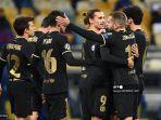 para-pemain-barcelona-merayakan-gol-ketiga.jpg
