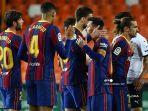 para-pemain-barcelona-merayakan-kemenangan-mereka-lawan-valencia.jpg