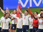 para-pemain-inggris-merayakan-kemenangan-setelah-mengalahkan-denmark.jpg