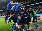 para-pemain-italia-merayakan-kemenangan-setelah-dari-spanyol-semifinal-euro-2020.jpg