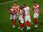 para-pemain-kroasia-merayakan-gol-ketiga-mereka-selama-pertandingan-sepak-bola-grup-d-uefa-euro-2020.jpg
