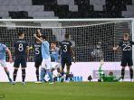 para-pemain-manchester-city-merayakannya-setelah-mencetak-gol-ke-2-melawan-psg.jpg