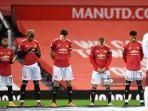 para-pemain-manchester-united-mengheningkan-cipta-selama-satu-menit.jpg