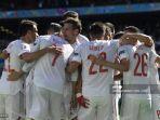 para-pemain-spanyol-merayakan-gol-pertama-timnya-grup-e-uefa-euro-2020.jpg