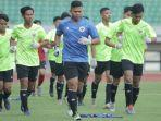 para-pemain-timnas-indonesia-u-16-latihan.jpg