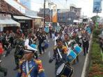 parade-drumband-taruna-gabungan_20160427_180826.jpg