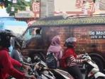 parade-food-truck_20160521_132154.jpg