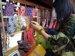 pasar-batik-di-bentara-budaya_20161005_153043.jpg
