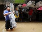 pasar-cipulir-terendam-banjir_20150403_154450.jpg