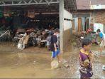 Banjir di Jatipadang Surut, Ratusan Motor dan Mobil Warga Berbalut Lumpur Tebal