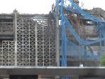 pasca-kebakaran-gedung-kejagung-mulai-dibongkar_20210414_190035.jpg