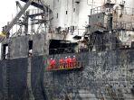 pasca-terbakarnya-kapal-tanker-mt-jag-leela-di-medan_20200512_222250.jpg