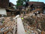 pascabencana-gempa-di-dampit-kabupaten-malang_20210413_064058.jpg
