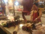 pedagang-daging-sapi-di-pasar-palmerah_20180831_194931.jpg