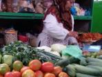pedagang-pasar-kranggan_20150823_031645.jpg
