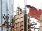 pekerja-konstruksi-gunakan-alat-keselamatan-kerja-seadanya_20200518_220810.jpg