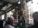 pekerja-perbaiki-crane-roboh-di-masjidil-haram_20150914_081719.jpg