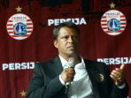 pelatih-baru-persija-sergio-farias_20200117_143932.jpg