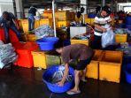 pelelangan-ikan-pelabuhan-muara-baru-jakarta_20190226_113928.jpg