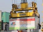 pelepasan-3000-ton-beras-bulog-ke-kalimantan_20160902_162403.jpg