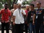 pelimpahan-tahap-dua-kasus-bambang-widjojanto_20150918_141858.jpg