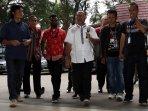 pelimpahan-tahap-dua-kasus-bambang-widjojanto_20150918_142419.jpg