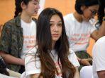 Cara Yasmin Napper Bagi Waktu Antara Syuting dan Sekolah Online