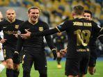 pemain-barcelona-antoine-griezmann-tengah-merayakan-gol-ke-gawang-dynamo-kiev.jpg