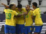 pemain-brasil-lucas-paqueta-tengah-merayakan-dengan-rekan-setimnya.jpg