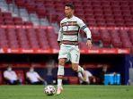pemain-depan-portugal-cristiano-ronaldo-mengontrol-bola-selama-pertandingan-lawan-spanyol.jpg