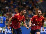 pemain-depan-spanyol-ferran-torres-kiri-merayakan-dengan-rekan-satu-timnya.jpg