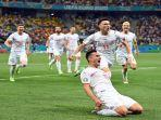 pemain-depan-swiss-mario-gavranovic-merayakan-mencetak-gol.jpg