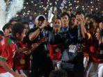 pemain-pelatih-dan-ofisial-timnas-u-16-indonesia_20180812_194031.jpg