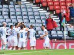 pemain-republik-ceko-merayakan-gol-kedua-mereka-selama-pertandingan.jpg
